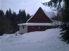 Zimní pohled na chalupu Betlém