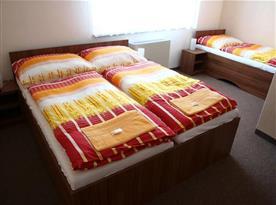 Klimatizované pokoje s vlastním sociálním zařízením a televizí
