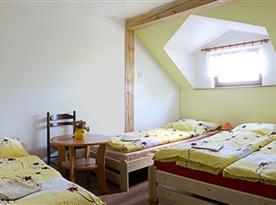 Žlutý pokoj pro 4 osoby