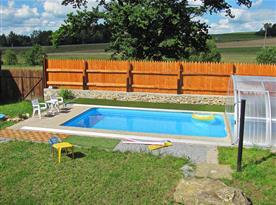 Bazén se slanou vodou a protiproudem