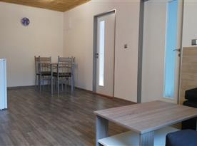 Kuchyňka s obývací místností