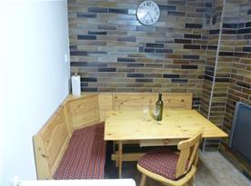 Rohová lavice v kuchyni