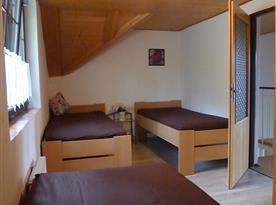 Mezonetový apartmán - ložnice 3 postele + 1 přistýlka