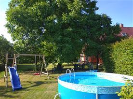 bazén, dětské hřiště