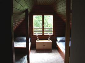 Pohled do podkrovní ložnice