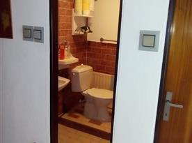 Apartmán A - WC a sprchový kout