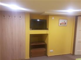Televize v ložnici