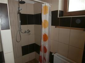 Sprchový kout, koupelna v přízemí