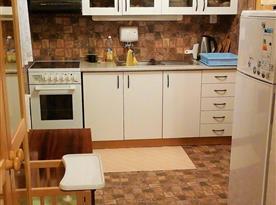 Plně vybavená kuchyně s posezením