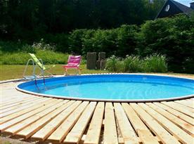 Bazén u chaty
