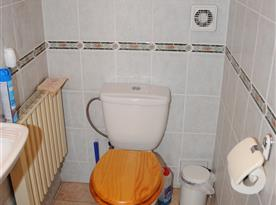 Chata Lucie - toaleta v podkroví