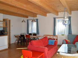 1.NP - obytná kuchyň - apartmán HOME