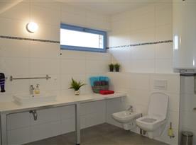 2. NP - Apartmán SUNSET - koupelna se sprchovým koutem
