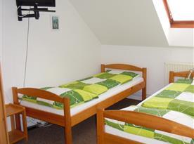 2 l. pokoj s přistýlkou a příslušenstvím v podkroví