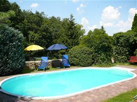 Venkovní vyhřívaný bazén