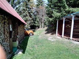 Příjezdová cesta k chatě
