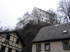 Historické město Schwarzenberg s mohutným hradem (cca 18 km)