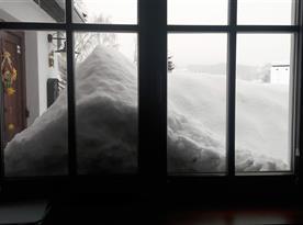 Pohled z chaty v zimě