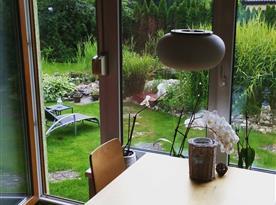 Výhled do zahrady
