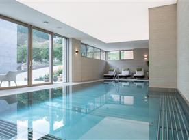 Vnitřní bazén v penzionu
