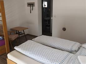 Pokoj C se soc. zařízením