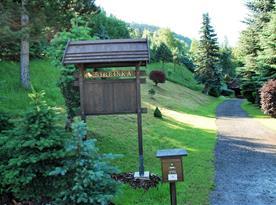 Vjezd na zahradu a pozemek Chalupy Šibřinka