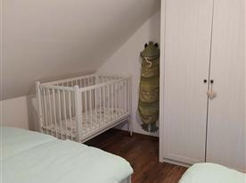 Ložnice 2 pro 4 osoby + dětská postýlka
