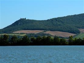 Pálavské vrchy a jezero