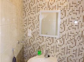 Koupelna k půdnímu apartmánu.