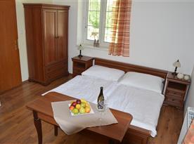 Příjemné postele i pokoj