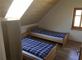 Apartmán B v podkroví pokoj 1