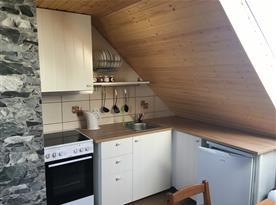 Apartmán B v podkroví kuchyně