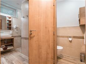 Velký apartmán v hlavní budově-koupelna a toaleta