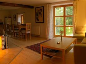 Obývací pokoj - večerní idylka u krbu