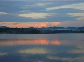 Západ slunce nad olšinským rybníkem