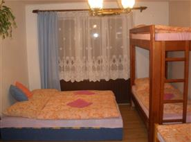 B.Ložnice apartmán v patře