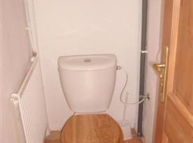 Samostatné WC u sociálního zařízení