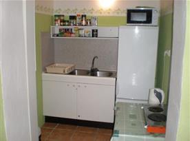 Kuchyňka u společenské místnosti