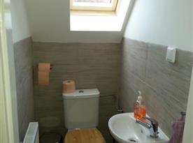 Toaleta v patře