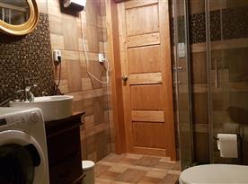Sdílená koupelna pro pokoj 1 a 2