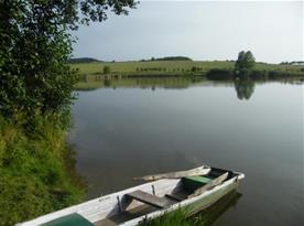 Rybník nedaleko objektu
