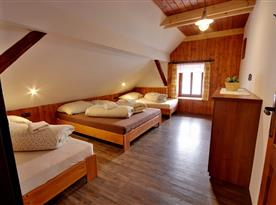 Podkrovní část-ložnice