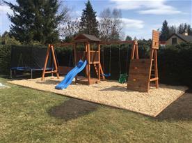 Dětské hřiště na pozemku objektu