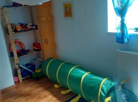 Apartmán B - dětský pokoj s válendou