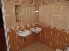 Apartmán B - umyvadla v koupelně