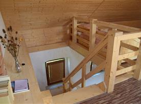 Apartmán č.1 schody do 1.patra