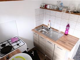 Kuchyňka v obytné části