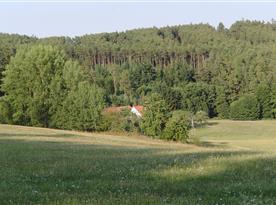 Výhled od chaty na okolní krajinu
