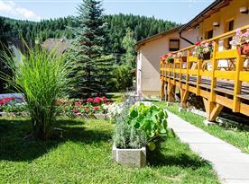 VILA RHEA - garden