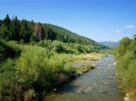 Rieka Bystrica, ktorá preteká popred Cyklo Chatu